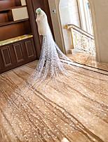 preiswerte -Einschichtig Schnittkante Brautkleidung Hochzeitsschleier Kapellen Schleier Kathedralen Schleier Mit Verstreute Perlen mit Blumen Spitze