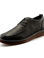 Недорогие -Муж. обувь Полиуретан Весна Осень Удобная обувь Туфли на шнуровке для Повседневные Черный Коричневый
