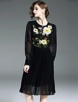 Недорогие -Жен. Изысканный Уличный стиль А-силуэт Платье - Цветочный принт, Пайетки Вышивка Средней длины