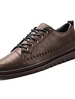 abordables -Hombre Zapatos PU microfibra sintético Primavera / Verano Confort Zapatillas de deporte Negro / Gris / Marrón