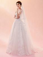 Недорогие -Один слой Классический и неустаревающий Изысканный и современный Свадебные вуали Фата для венчания С Вышивка Тюль