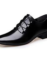 Недорогие -Муж. обувь Полиуретан Весна Удобная обувь Туфли на шнуровке Черный / Коричневый / Платья