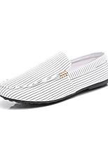 Недорогие -Муж. обувь Ткань Лето Удобная обувь / Мокасины Мокасины и Свитер Белый / Черный