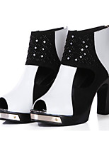 cheap -Women's Shoes Cowhide Spring Comfort Boots Chunky Heel for Black / White