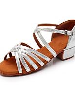 Недорогие -Девочки Обувь для латины Синтетика На каблуках На низком каблуке Персонализируемая Танцевальная обувь Серебряный / В помещении