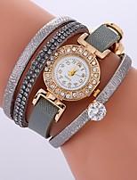 economico -Per donna Orologio braccialetto Cinese Orologio casual / Fantastico / imitazione diamante PU Banda Stile Boho / Di tendenza Nero / Bianco