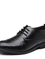 Недорогие -Муж. обувь Искусственное волокно Весна Осень Удобная обувь Туфли на шнуровке для Офис и карьера Черный Коричневый