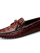 Недорогие -Муж. обувь Кожа Лето Удобная обувь / Мокасины Мокасины и Свитер Черный / Коричневый