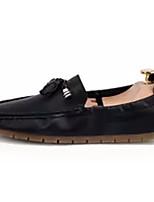 Недорогие -Муж. обувь Искусственное волокно Полиуретан Дерматин Весна Осень Мокасины Удобная обувь Мокасины и Свитер для Повседневные Белый Черный