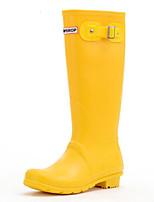 baratos -Mulheres Sapatos Pele PVC Primavera Botas de Chuva Botas Sem Salto Botas Cano Médio Preto / Amarelo / Rosa claro