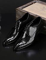 Недорогие -Муж. обувь Кожа Осень Удобная обувь Туфли на шнуровке Черный Красный