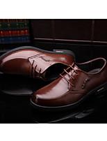 Недорогие -Муж. обувь Кожа Весна Удобная обувь Туфли на шнуровке Черный / Коричневый