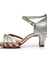 baratos -Mulheres Sapatos de Dança Latina Courino Sandália / Salto Recortes Salto Personalizado Personalizável Sapatos de Dança Prata / Interior