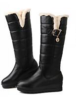 baratos -Mulheres Sapatos Couro Ecológico Inverno Conforto / Botas de Neve Botas Sem Salto Botas Cano Médio Branco / Preto / Vermelho
