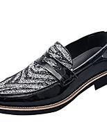 Недорогие -Муж. обувь Дерматин Весна Удобная обувь Мокасины и Свитер для на открытом воздухе Красный Черно-белый