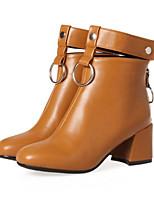 Недорогие -Жен. Обувь Полиуретан Наступила зима Модная обувь Ботинки На толстом каблуке Круглый носок Ботинки Заклепки Бежевый / Серый / Желтый
