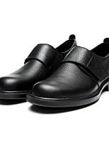 Недорогие -Муж. обувь Кожа Лето Удобная обувь Мокасины и Свитер для Офис и карьера Черный Коричневый