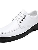 baratos -Homens sapatos Micofibra Sintética PU Outono Conforto Oxfords para Ao ar livre Branco Preto