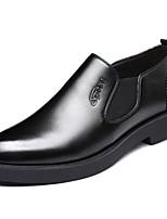 Недорогие -Муж. обувь Искусственное волокно Лето Удобная обувь Мокасины и Свитер Черный / Коричневый