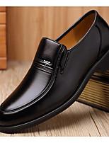 Недорогие -Муж. обувь Искусственное волокно Весна Удобная обувь Мокасины и Свитер Черный