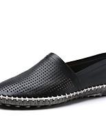 Недорогие -Муж. обувь Кожа Лето Удобная обувь Мокасины и Свитер Белый / Черный / Коричневый