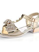 Недорогие -Девочки Обувь Лакированная кожа Лето Детская праздничная обувь Сандалии Бант для Золотой / Серебряный
