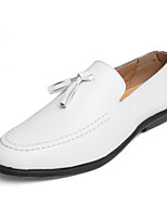 cheap -Men's Shoes Cowhide Spring / Fall Moccasin Loafers & Slip-Ons White / Black