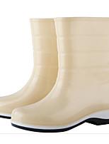 baratos -Mulheres Sapatos Pele PVC Outono Botas de Chuva Botas Salto Baixo Botas Cano Médio Vermelho / Azul / Amêndoa
