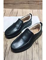 Недорогие -Муж. обувь Кожа Зима Удобная обувь Мокасины и Свитер Черный