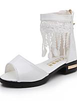 Недорогие -Девочки Обувь Дерматин Лето С ремешком на лодыжке Сандалии С кисточками для на открытом воздухе Белый Черный