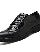 Недорогие -Муж. обувь Кожа Лакированная кожа Осень Формальная обувь Удобная обувь Туфли на шнуровке для Офис и карьера Черный Черный / Красный