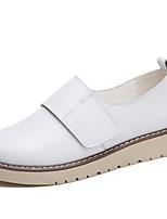 Недорогие -Жен. Обувь Кожа Весна Удобная обувь Кеды На плоской подошве Белый / Черный / Бежевый