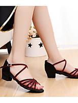 Недорогие -Девочки Обувь для латины Сатин На плоской подошве Толстая каблук Персонализируемая Танцевальная обувь Черный / Красный