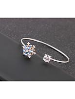 abordables -Femme Chaîne unique Manchettes Bracelets - Fleur Mode, Le style mignon Bracelet Blanc / Bleu / Rose Pour Soirée / Rendez-vous