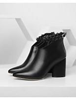 baratos -Mulheres Sapatos Pele Napa Primavera / Outono Conforto / Curta / Ankle Botas Salto Robusto Preto / Bege