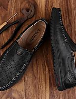 baratos -Homens sapatos Couro Ecológico Verão Conforto Mocassins e Slip-Ons Preto / Marron / Castanho Claro