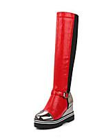 Недорогие -Жен. Обувь Полиуретан Наступила зима Модная обувь Ботинки Туфли на танкетке Круглый носок Сапоги до колена Пряжки Черный / Темно-серый / Красный