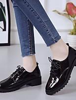 abordables -Femme Chaussures Polyuréthane Printemps Confort Oxfords Talon Bas Blanc / Noir