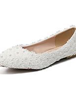 abordables -Mujer Zapatos PU Primavera verano Confort Zapatos de boda Tacón Plano Dedo Puntiagudo Perla / Flor de Satén Blanco / Boda / Fiesta y Noche