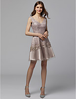 cheap -A-Line V Neck Short / Mini Lace / Tulle Cocktail Party / Homecoming Dress with Beading / Appliques by TS Couture®