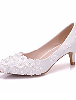 cheap -Women's Shoes PU(Polyurethane) Spring & Summer Basic Pump Wedding Shoes Low Heel Pointed Toe Pearl / Satin Flower White / Party & Evening