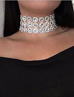 Недорогие -Жен. Многослойность Ожерелья-бархатки - европейский, Мода Белый 30 cm Ожерелье Бижутерия 1шт Назначение Повседневные
