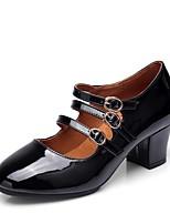 preiswerte -Damen Schuhe für modern Dance Kunstpelz Absätze Kubanischer Absatz Maßfertigung Tanzschuhe Weiß / Schwarz