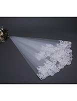 Недорогие -Один слой Цветочный дизайн / Сетка / Платье-трансформер Свадебные вуали Фата до плеч С Вышивка бисером в виде цветов 59,06 В (150см) Полиэфир / Тюль