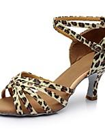 baratos -Mulheres Sapatos de Dança Latina Cetim Salto Recortes Salto Carretel Personalizável Sapatos de Dança Leopardo