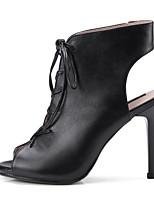 baratos -Mulheres Sapatos Pele de Carneiro Primavera / Verão Conforto / Plataforma Básica Saltos Salto Agulha Branco / Preto