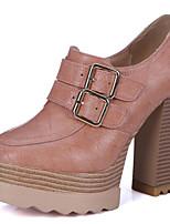 baratos -Mulheres Sapatos Microfibra Primavera & Outono Curta / Ankle Botas Salto Robusto Ponta Redonda Botas Curtas / Ankle Presilha Bege / Cinzento / Rosa claro / Festas & Noite