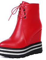 Недорогие -Жен. Обувь Полиуретан Наступила зима Армейские ботинки Ботинки Туфли на танкетке Круглый носок Сапоги до середины икры Черный / Красный / Для вечеринки / ужина