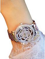Недорогие -Жен. Наручные часы Секундомер / Светящийся / Повседневные часы сплав Группа Цветы / Элегантный стиль Серебристый металл / Золотистый