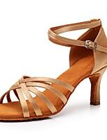 baratos -Mulheres Sapatos de Dança Latina Cetim Sandália / Salto Presilha Salto Alto Magro Personalizável Sapatos de Dança Bege